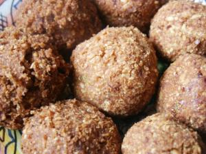 Shuku-Shuku (Coconut Balls)